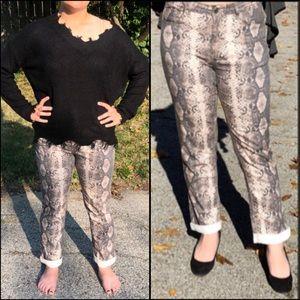 ➕A5️⃣🌟! 🐍 Snake Print Boyfriend Jeans! NEW!